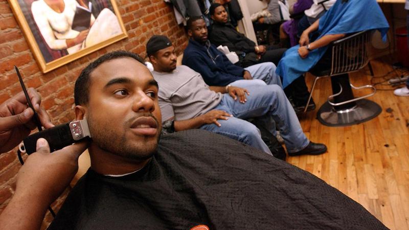 Shape Up: Gay in the Black Barbershop (2016)